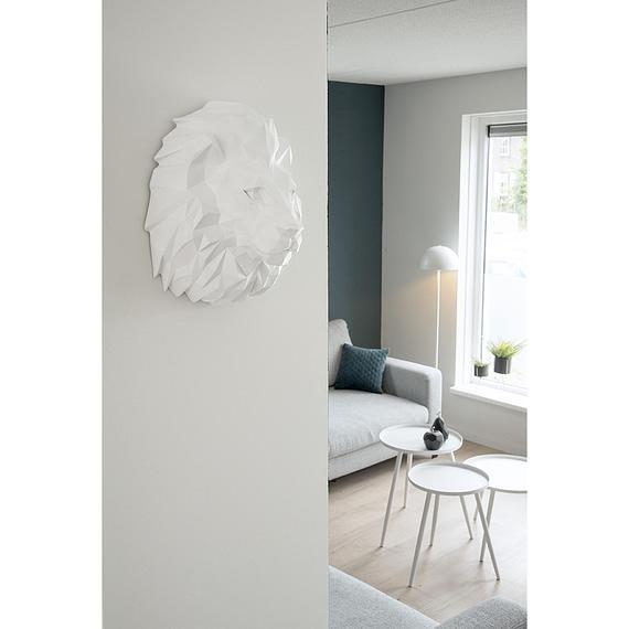 - Wall hanger Origami Lion polyresin matt white